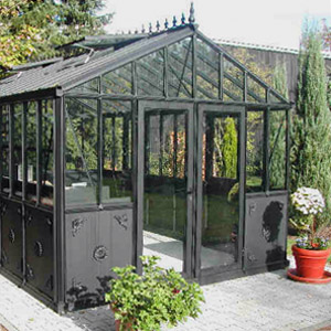 serre de jardin en verre ou polycarbonate. Black Bedroom Furniture Sets. Home Design Ideas